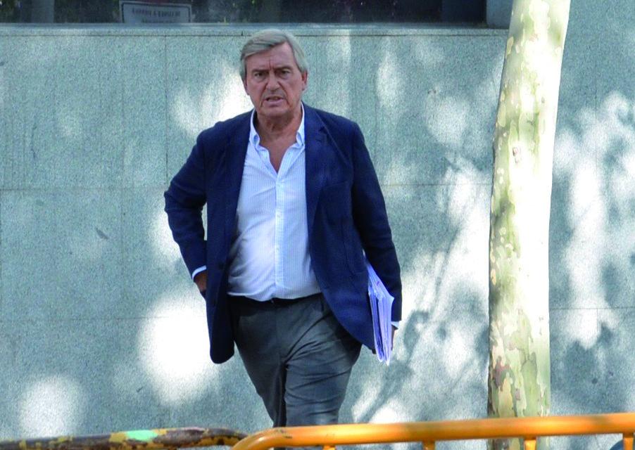 El alcalde vuelve a prohibir la publicidad institucional en ACUA