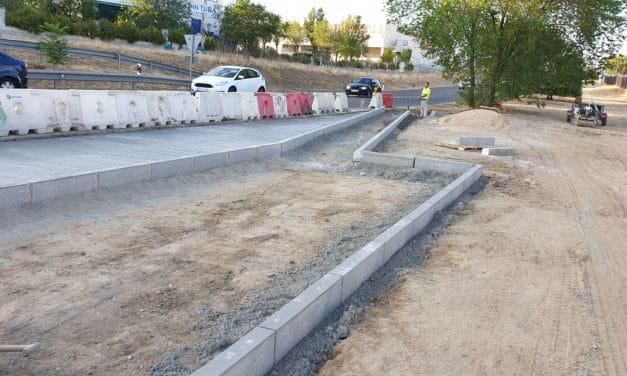 Construcción de una dársena y una marquesina de autobuses en la carretera M-856