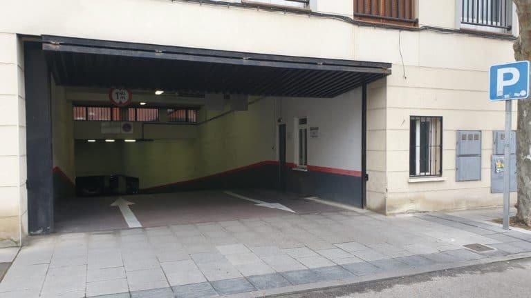 El aparcamiento de la calle Nueva cambia su horario