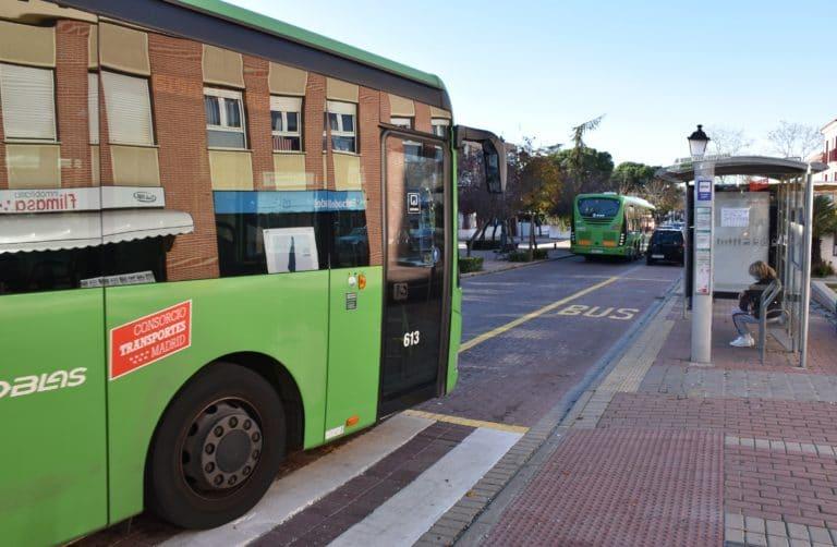 Un Bus-Lanzadera unirá Villaviciosa y Colonia Jardín, directo al metro