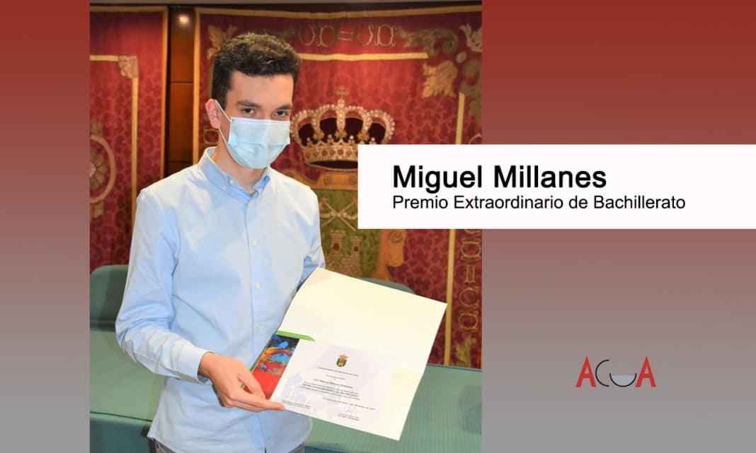 Miguel Millanes recibe el Premio Extraordinario de Bachillerato