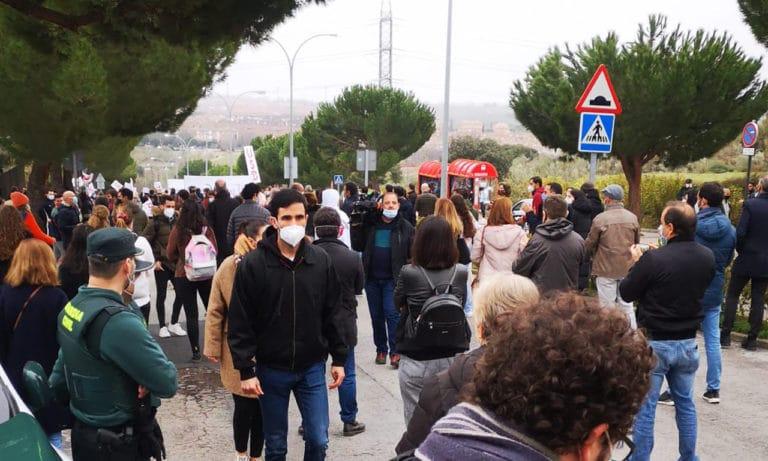 Nueva manifestación de alumnos y profesores de la UEM contra el ERE