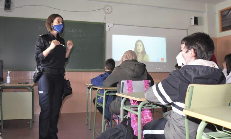 Se imparte un taller de Ciberseguridad a alumnos de 1º ESO